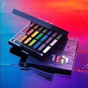 UD full spectrum eyeshadow pallet